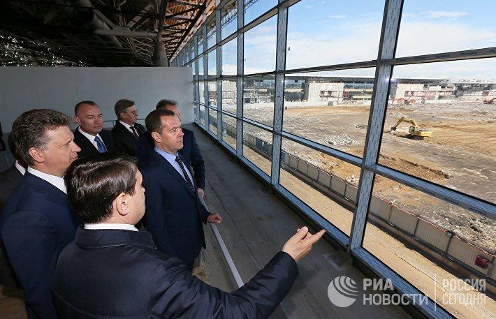 Премьер-министр РФ Д. Медведев посетил международный аэропорт Шереметьево